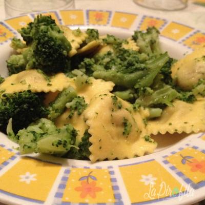 Ravioli Con Broccoletti E Peperoncino