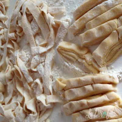 Tagliatelle Fatte In Casa Con Sugo Di Zucchine